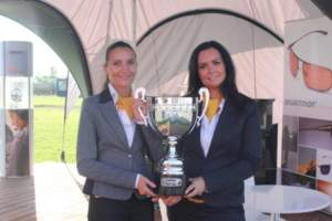 Martina Hunkova (left) and Leona Souckova (right) with the PS-28 Cruiser Cup in advance of the award ceremony